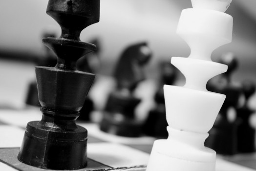 black-and-white-chess-chessman-2902-524x350